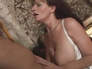 Squirting Mature Diana