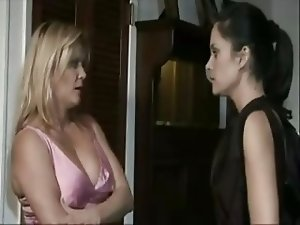 Ginger Lynn(mature) & Stephanie Swift - muff diving