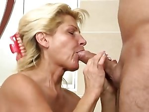 Mature Renate (a.k.a. Betina) suck and fuck dude in the thub
