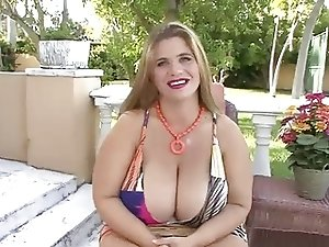 Blonde BBW-Milf Outdoors